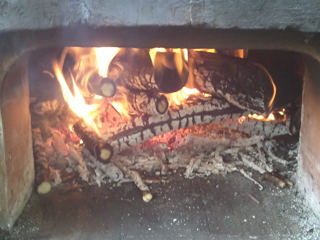 Hot Fire Pizza Oven